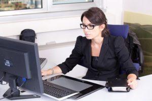 Emploi assistante international anglais